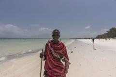 马塞语在海滩供以人员在桑给巴尔 图库摄影