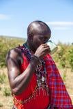 马塞语玛拉,肯尼亚,非洲2月12日马塞人僧人是 免版税库存图片