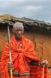 马塞语玛拉,肯尼亚- 9月, 23 :9月的年轻马塞人人, 免版税库存照片