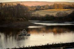 马小灌木林水库在莱姆公园,斯托克波特彻斯特英国冬日 免版税库存照片