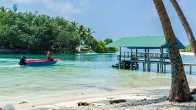 """马尔代夫†""""2017年11月19日:热带海滩自然风景, Kaafu环礁, Kuda Huraa海岛 库存图片"""