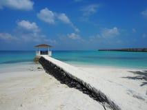 马尔代夫的蓝色海 图库摄影