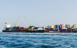 马尔代夫- 2017年11月19日:男性货物口岸的全景  库存照片