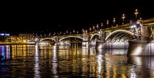 马尔吉特桥梁在布达佩斯 免版税库存照片