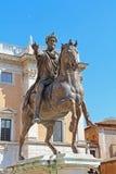 马尔库斯・奥列里乌斯古铜色骑马雕象, Capitoline小山,罗马,意大利 库存照片
