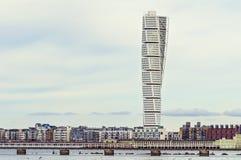 马尔摩,瑞典- 3月12 2017年 与转动的躯干的西部港口区域 图库摄影
