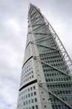 马尔摩,瑞典- 2017年5月31日:圣地牙哥・卡拉特拉瓦设计的转动的躯干是高楼在斯堪的那维亚 库存图片