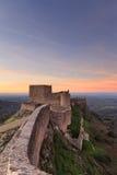 从马尔旺中世纪城堡的惊人的风景在日落 免版税库存图片