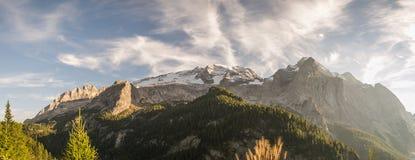 马尔莫拉达山-全景 免版税库存照片