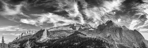 马尔莫拉达山-全景 免版税图库摄影