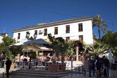 马尔韦利亚老镇太阳海岸的安达卢西亚,西班牙 免版税库存照片