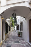 马尔韦利亚,安大路西亚老镇的街道  库存照片