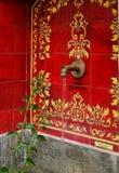 马尔韦利亚, ANDALUCIA/SPAIN - 7月6日:喷泉在马尔韦利亚西班牙 库存图片