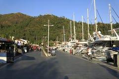 马尔马里斯港小游艇船坞 免版税图库摄影