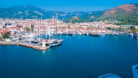 马尔马里斯港鸟瞰图土耳其语的里维埃拉 免版税库存照片