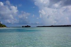 马尔代夫海岛海滩绿松石水 库存照片