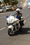 马耳他警察骑自行车巡逻 免版税库存照片
