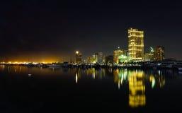 马尼拉湾夜视图在菲律宾 库存照片