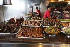 马尼拉- 5月17 :不同的食物在菲律宾市场上在达义市, 免版税库存照片
