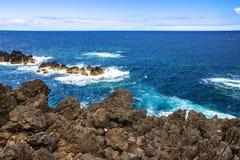 马德拉岛海岛海边,波尔图莫尼兹,葡萄牙 库存照片