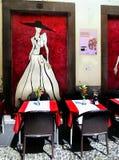 马德拉岛海岛,丰沙尔,老镇餐馆 免版税库存照片