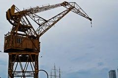 马德罗港起重机 免版税库存图片