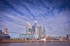 马德罗港都市风景布宜诺斯艾利斯 免版税库存图片