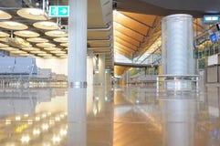 马德里机场巴拉哈斯终端内部  免版税库存图片