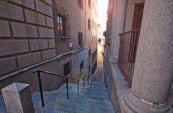 马德里狭窄的街道  库存图片