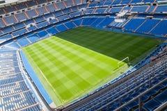 马德里,西班牙- 2009年5月14日:皇马圣地亚哥Bernabeu体育场2009年5月14日的在马德里,西班牙 实际马德里C.F.在1902年被设立了 f 是esta 免版税图库摄影