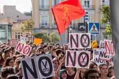 马德里,西班牙- 2016年10月26日-抗议标志反对教育政治在学生抗议在马德里,西班牙 免版税图库摄影