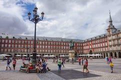 马德里,西班牙- 7月4 :菲利普雕象III在M的市长广场 库存图片