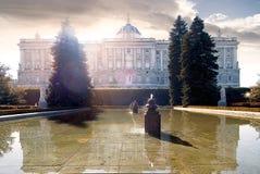 马德里` s王宫,门面的看法, 库存图片
