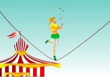 马戏。绳索的女孩 免版税库存照片