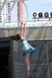 马戏节日的体操运动员 免版税库存照片