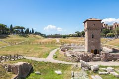 马戏Maximus -赛跑体育场,罗马,意大利的古老罗马运输车 免版税库存照片