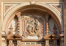 马拉加大教堂的门面的细节 免版税库存图片