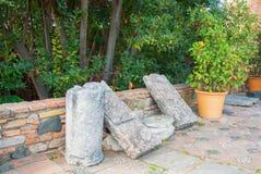 马拉加,西班牙- 2014年2月16日:有老石头的ru一个庭院 库存照片