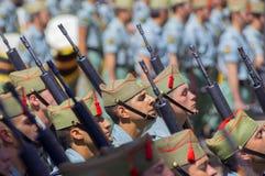 马拉加,西班牙- 4月09 :西班牙人在militar的Legionarios行军 库存图片