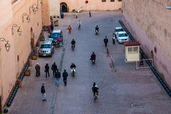 马拉喀什拥挤街道  免版税库存图片