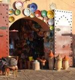 马拉喀什摩洛哥瓦器souk 免版税库存照片