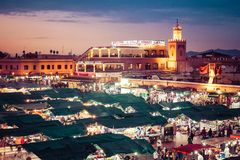 马拉喀什,摩洛哥- 2017年12月17日:Jamaa el Fna市场squa 图库摄影