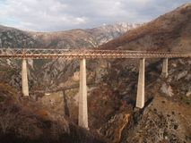 马拉山力耶卡铁路桥梁在黑山 库存照片