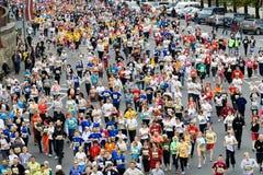 马拉松微型赛跑者 免版税库存图片