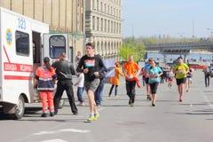 马拉松的人们 库存图片
