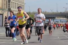 马拉松的人们 免版税库存图片