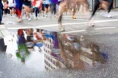马拉松竟赛者 免版税库存照片
