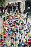 马拉松运动员在巴黎 免版税库存图片