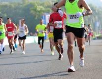 马拉松运动员奔跑 库存照片