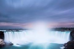 马掌在尼亚加拉瀑布落 库存图片